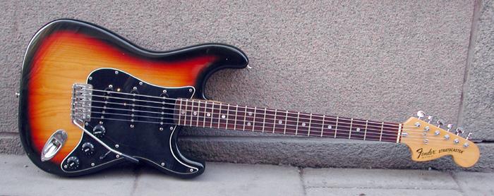 1979_Fender_Stratocaster_S940107.jpg